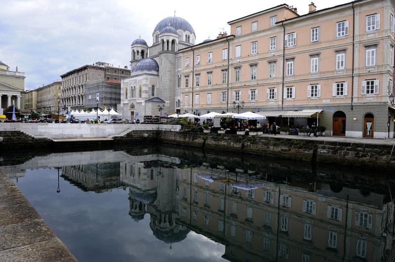 Canal Grande Chiesa Serbo