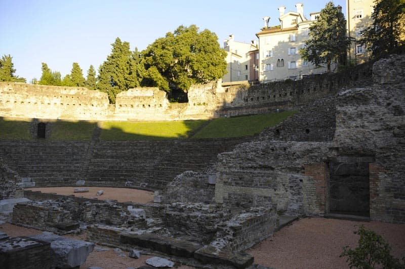 Questura il Teatro Romano